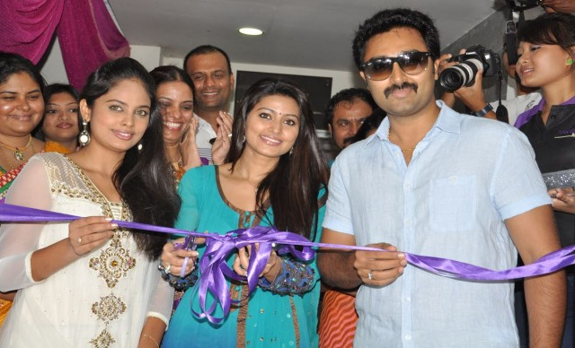 Naturals Lounge 250th Salon Launch Stills (1)