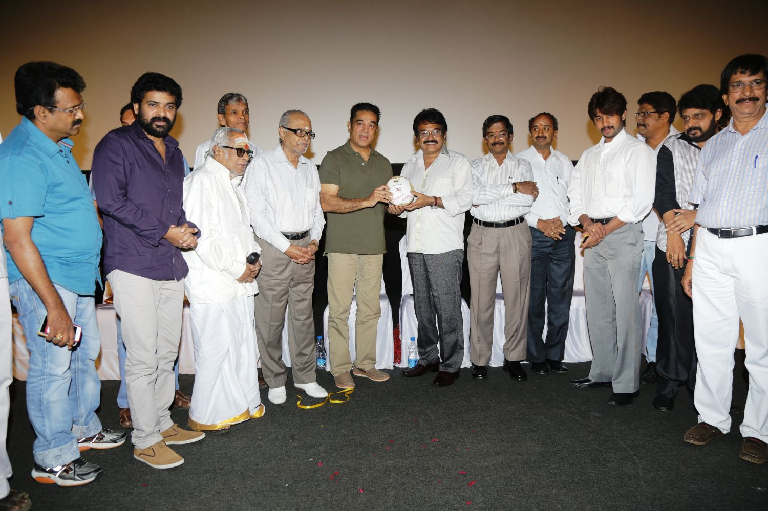 Ninaithale Inikkum Trailer Launch Stills
